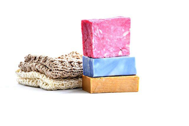 3 raisons pourquoi changer pour le shampoing en barre